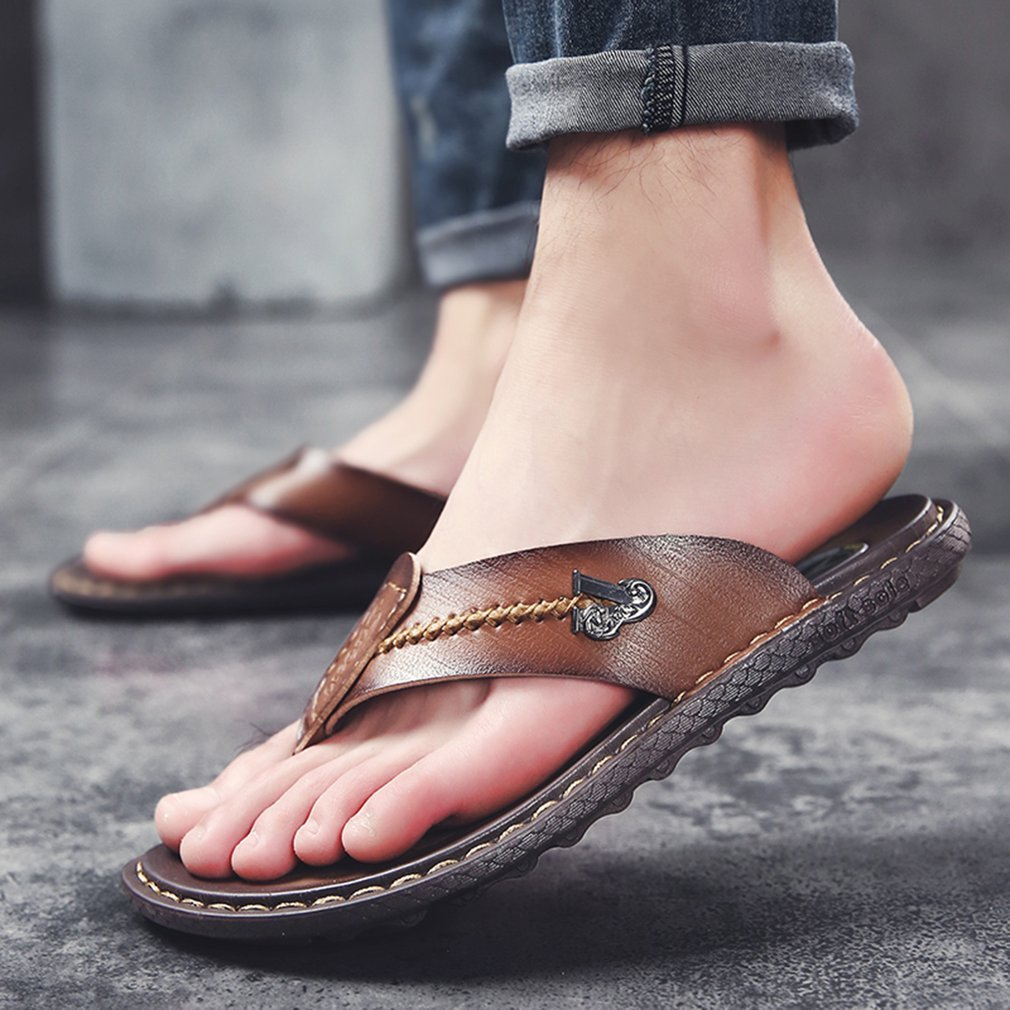 Fashion Men Summer Flip Flops Casual Male Slippers Non-slip Soft-soled Outdoor Beach Slippers Preventing Stink
