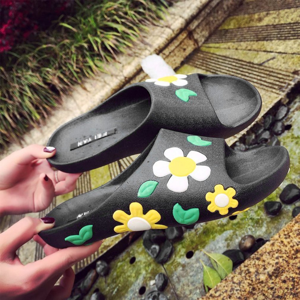 Fashion Summer Women Sandals Slippers With Flower Flat Heel Open-toed Slippers Comfortable Casual Anti-slip Shoes