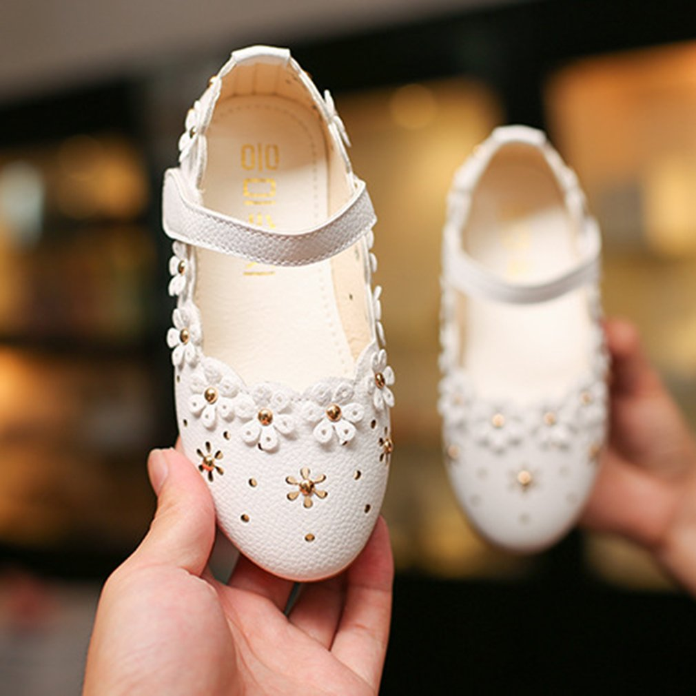 Fashion Hollow Floral Decoration Girls Sandals Leather Magic Tape Baby Shoes