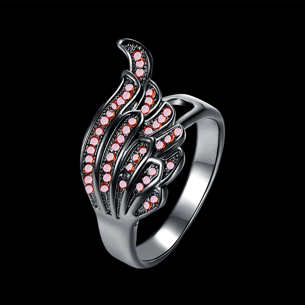 Vintage Angel Wing Design Women Red Zircon Decoration Anti Allergy Finger Ring