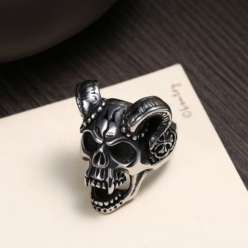 Skull Shape Wedding Finger Ring Man Party Ring Exquisite Workmanship Gift