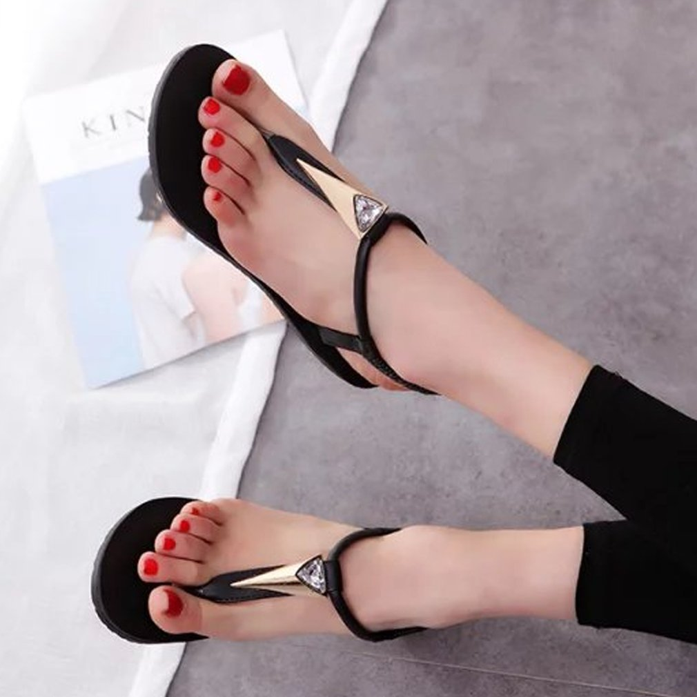Korean Style Elegant Ladies Sandals Flat Heel T-strap Shining Rhinestone Summer Flip Flops Fashion Casual Beach Sandals