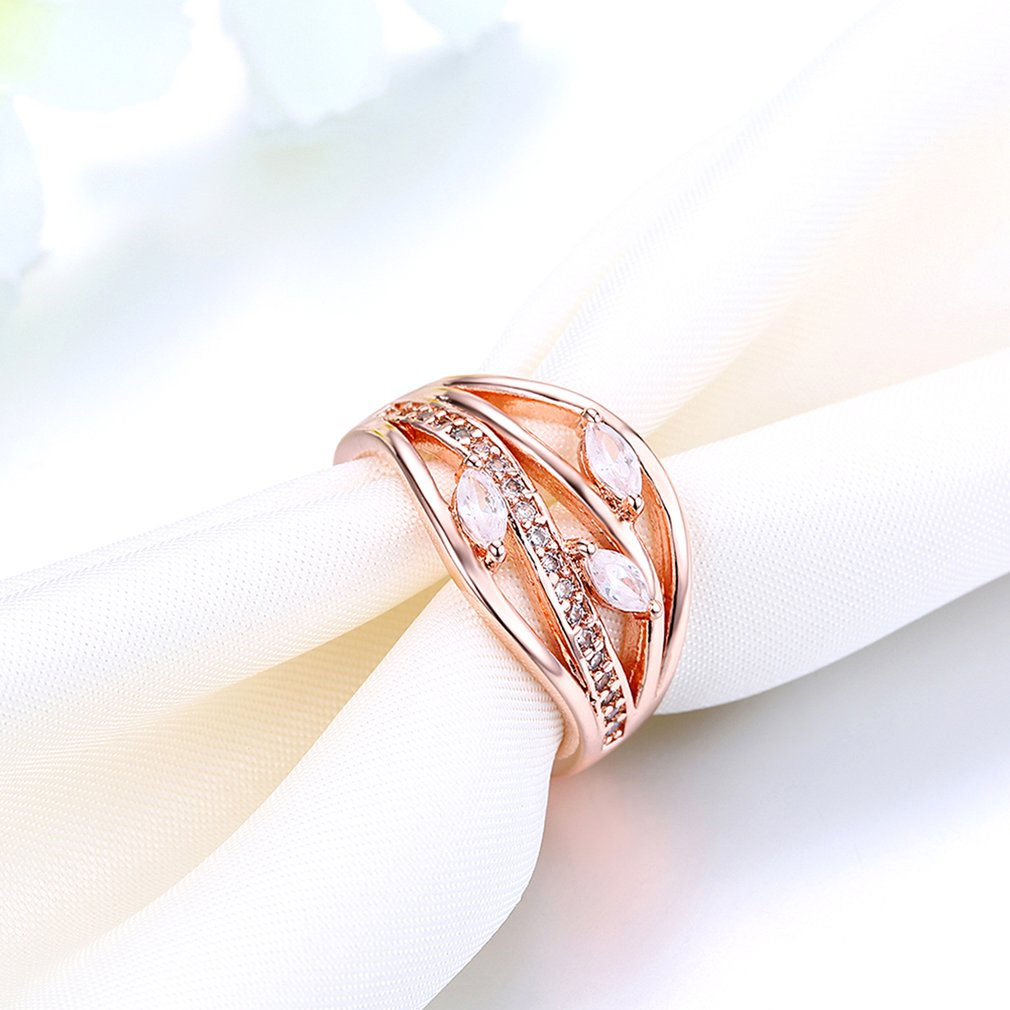 Classic Women Ring Jewelry Wedding Band Prong Setting Geometry Shape For Party