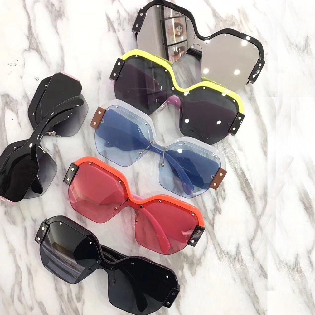 Fashion Women Sunglasses Square Shape UV400 Eyewear Sun Glasses PC Frame Resin Lens Popular Ladies Travel Glasses