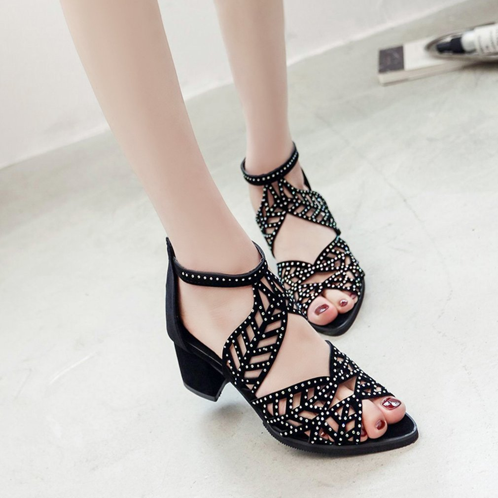Fashion Rhinestone Decoration Hollow Leaves Pattern Lady Sandals Back Zipper Middle Heels Women Shoes Chunky Heels Roman Shoes