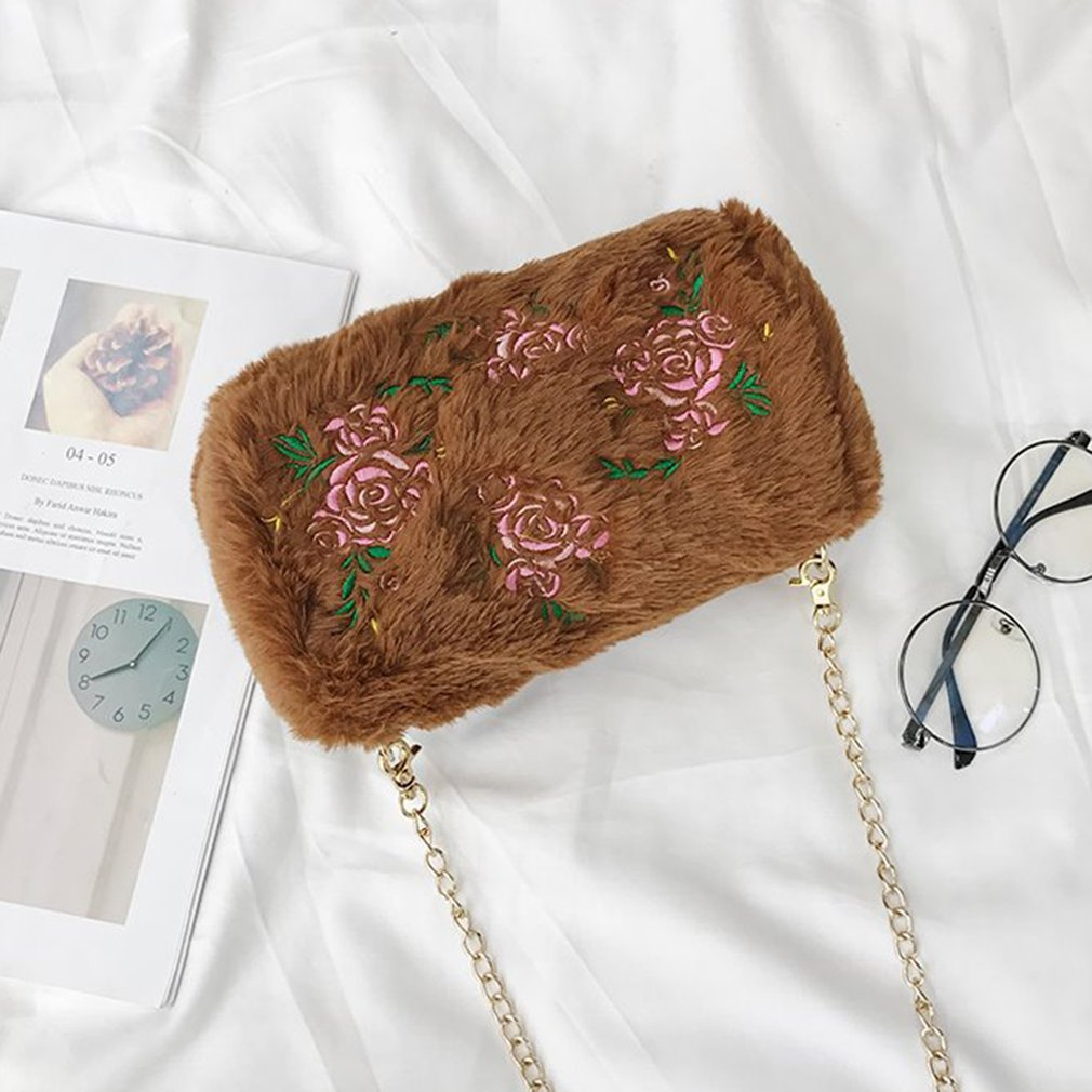 National Style Women Embroidery Design Metal Chain Single Shoulder Bag